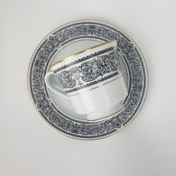 Other - 2 tea cups & plate